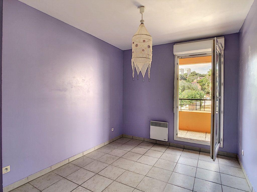 Appartement à vendre 3 63.5m2 à La Seyne-sur-Mer vignette-6