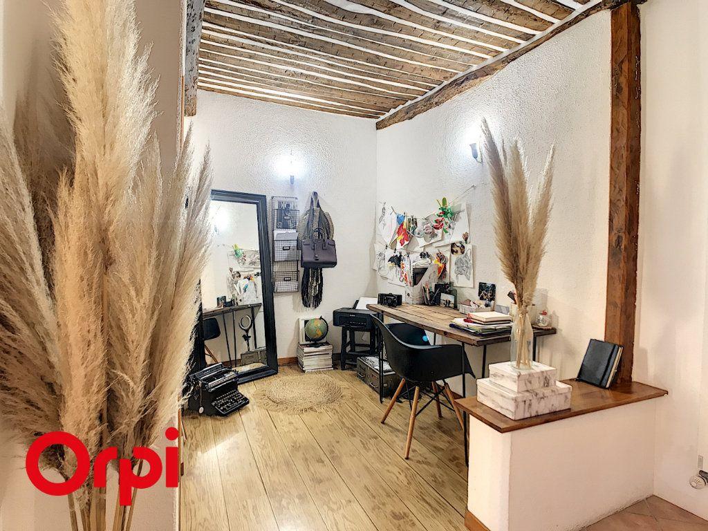 Maison à vendre 5 120m2 à Le Beausset vignette-4
