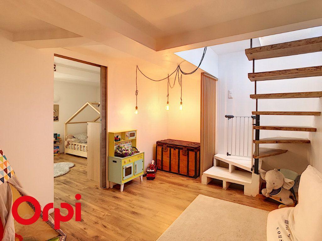 Maison à vendre 5 120m2 à Le Beausset vignette-7