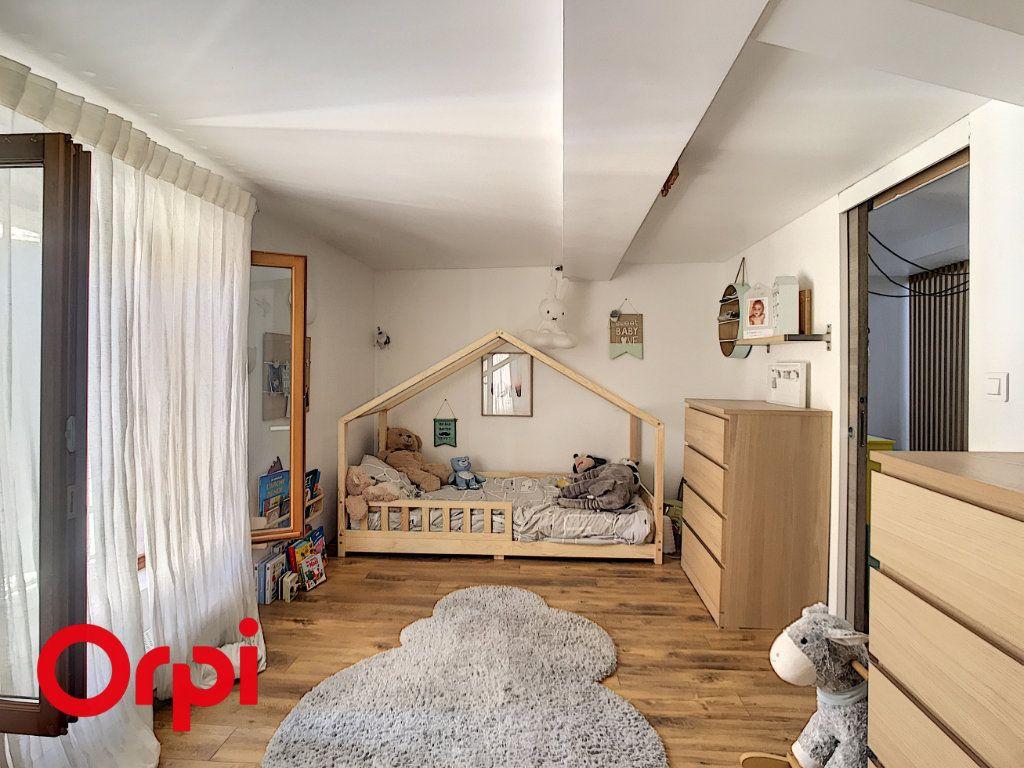 Maison à vendre 5 120m2 à Le Beausset vignette-9
