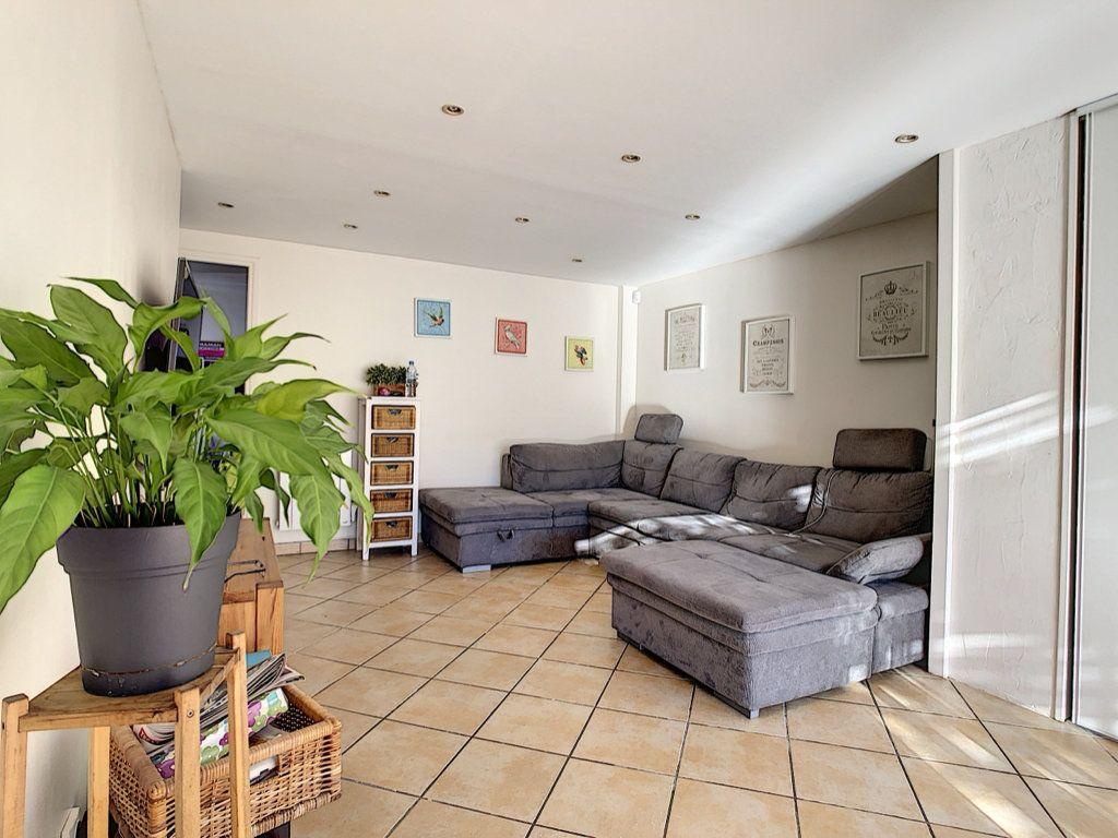 Maison à vendre 4 83m2 à La Seyne-sur-Mer vignette-3