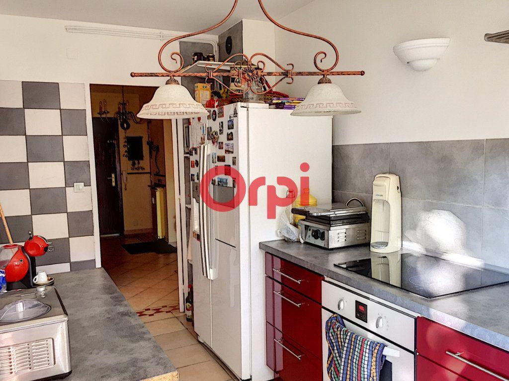 Appartement à vendre 2 72.2m2 à La Seyne-sur-Mer vignette-3