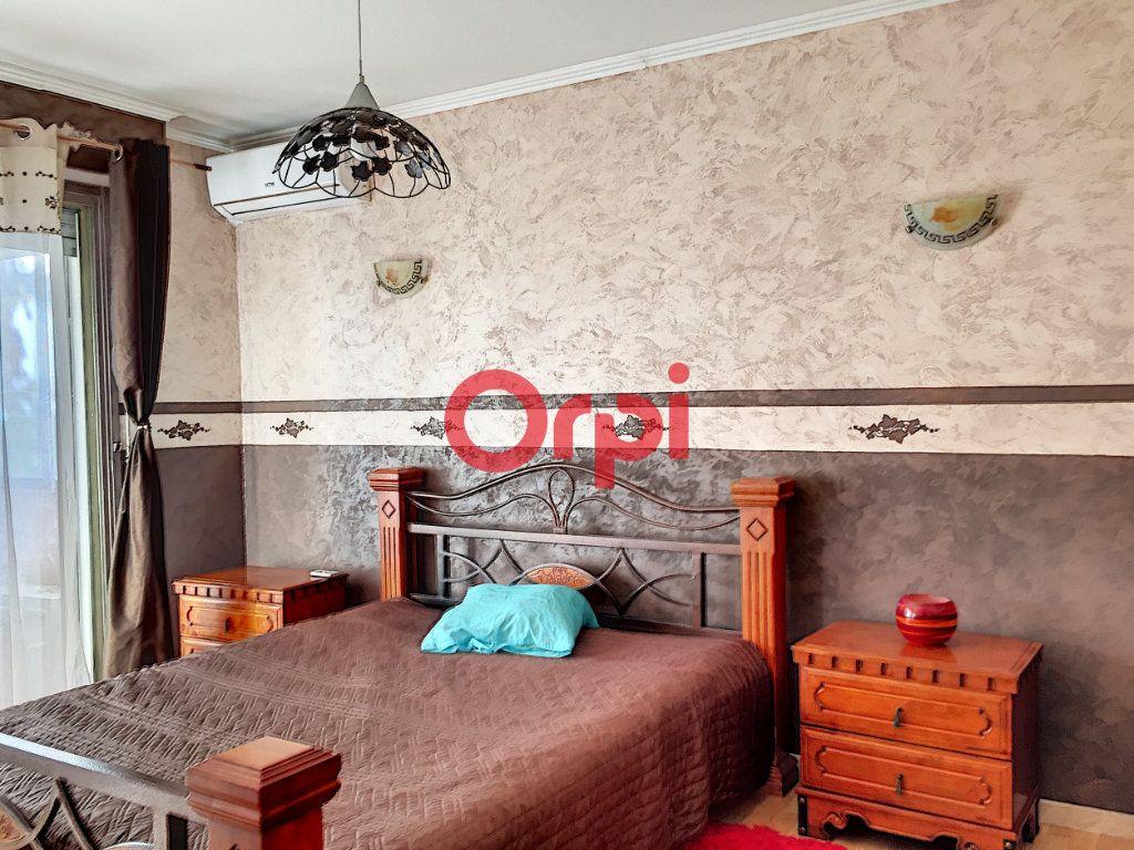 Appartement à vendre 2 72.2m2 à La Seyne-sur-Mer vignette-5