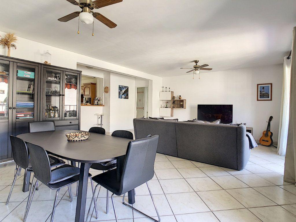 Appartement à vendre 4 82.4m2 à La Seyne-sur-Mer vignette-2