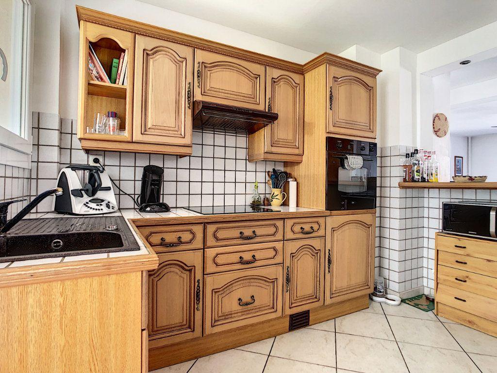 Appartement à vendre 4 82.4m2 à La Seyne-sur-Mer vignette-4