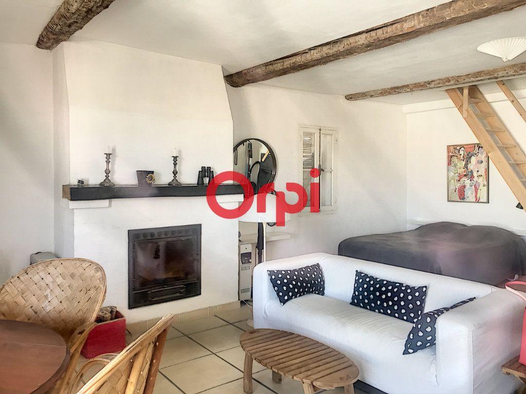 Appartement à vendre 1 51m2 à La Seyne-sur-Mer vignette-1