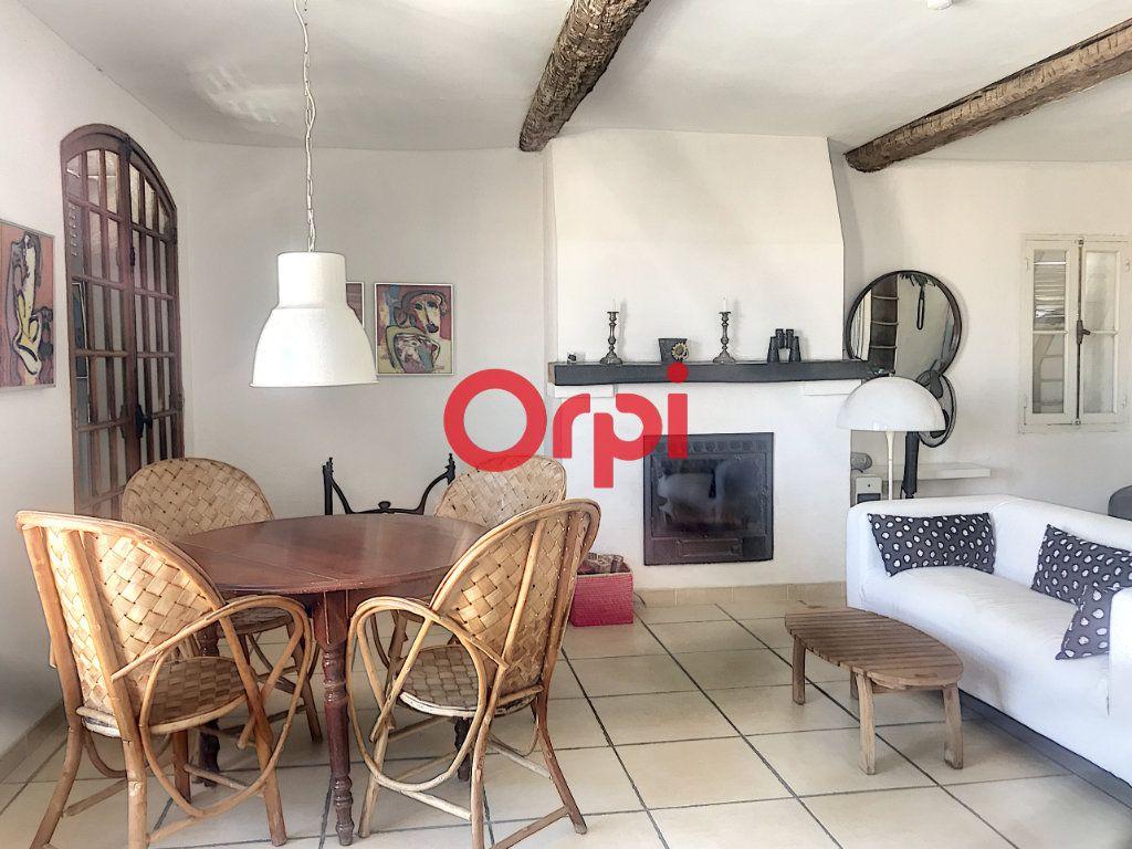 Appartement à vendre 1 51m2 à La Seyne-sur-Mer vignette-2