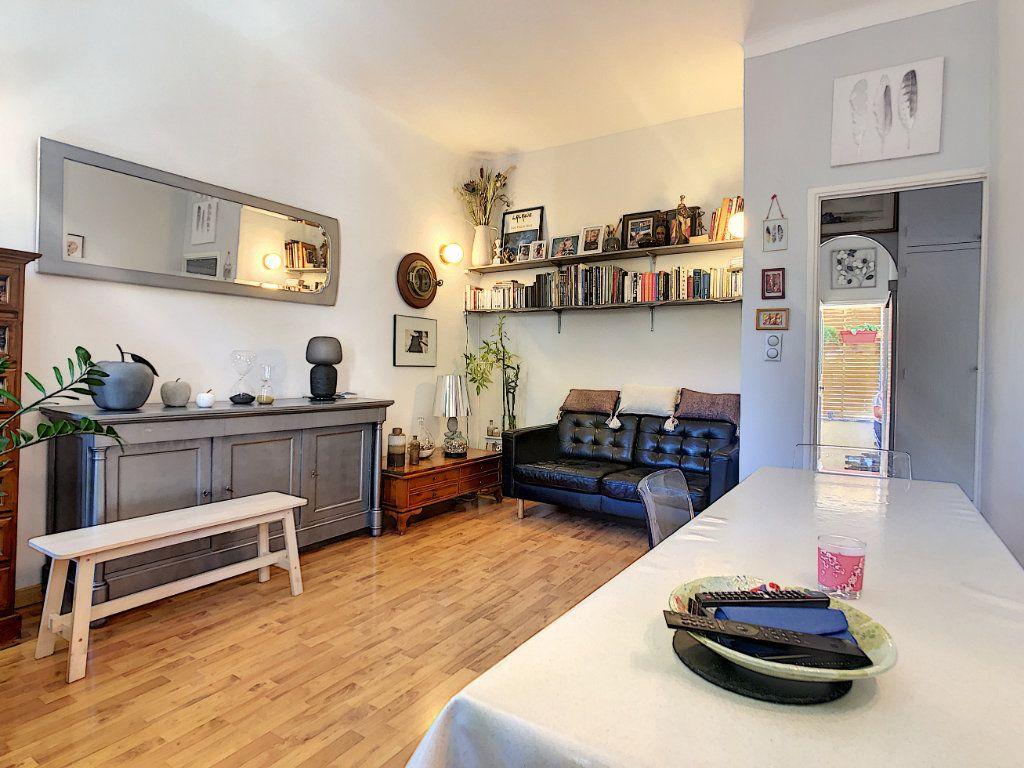 Appartement à vendre 3 60.35m2 à La Seyne-sur-Mer vignette-3