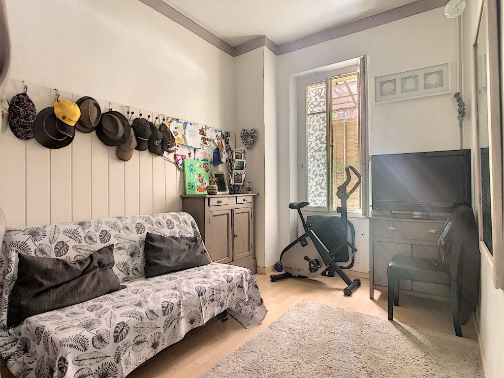Appartement à vendre 3 60.35m2 à La Seyne-sur-Mer vignette-5