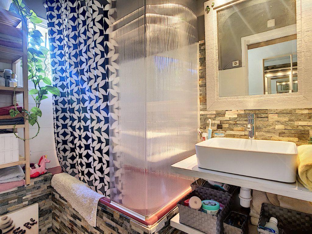 Appartement à vendre 3 60.35m2 à La Seyne-sur-Mer vignette-6