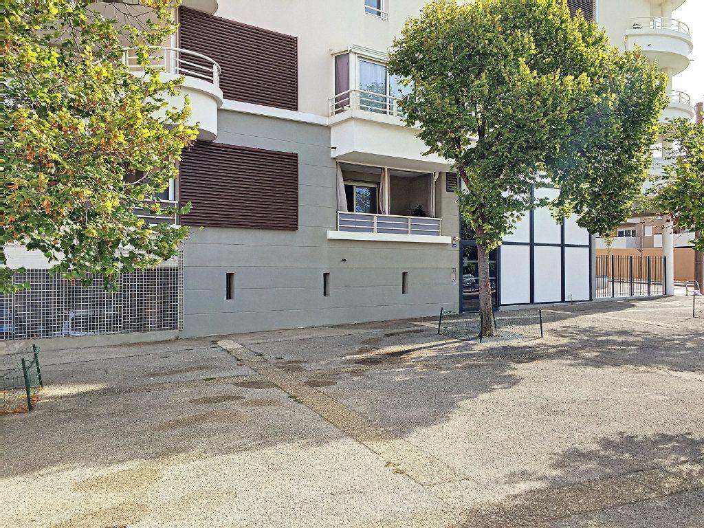 Appartement à vendre 2 38.2m2 à La Seyne-sur-Mer vignette-1