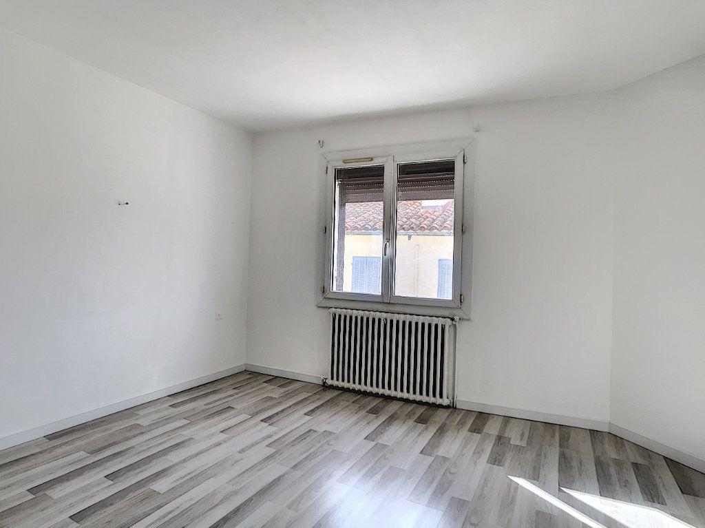 Appartement à vendre 3 60m2 à La Seyne-sur-Mer vignette-6