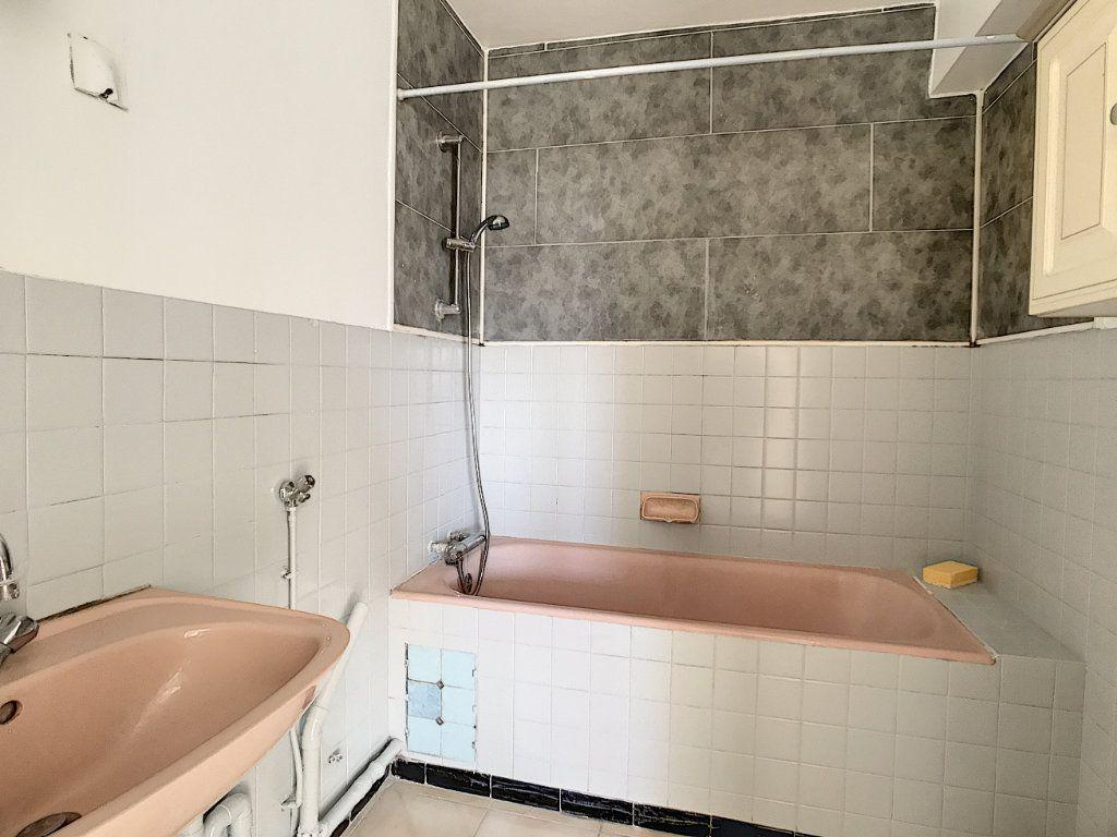 Appartement à vendre 3 60m2 à La Seyne-sur-Mer vignette-9