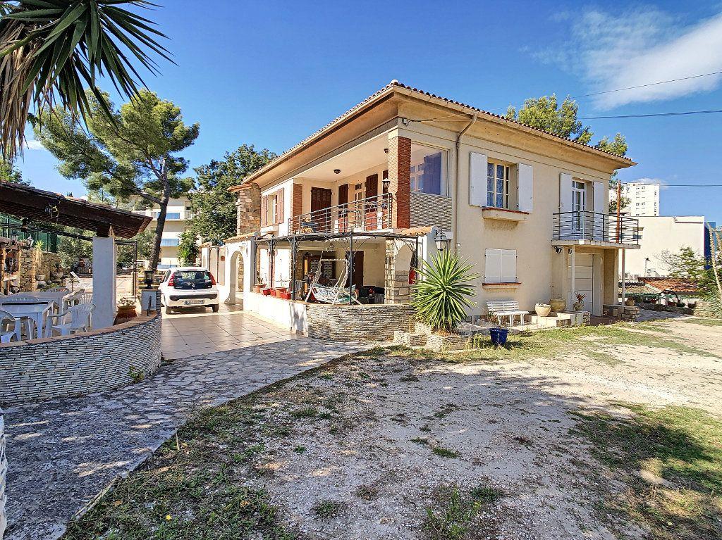 Maison à vendre 6 166m2 à La Seyne-sur-Mer vignette-1