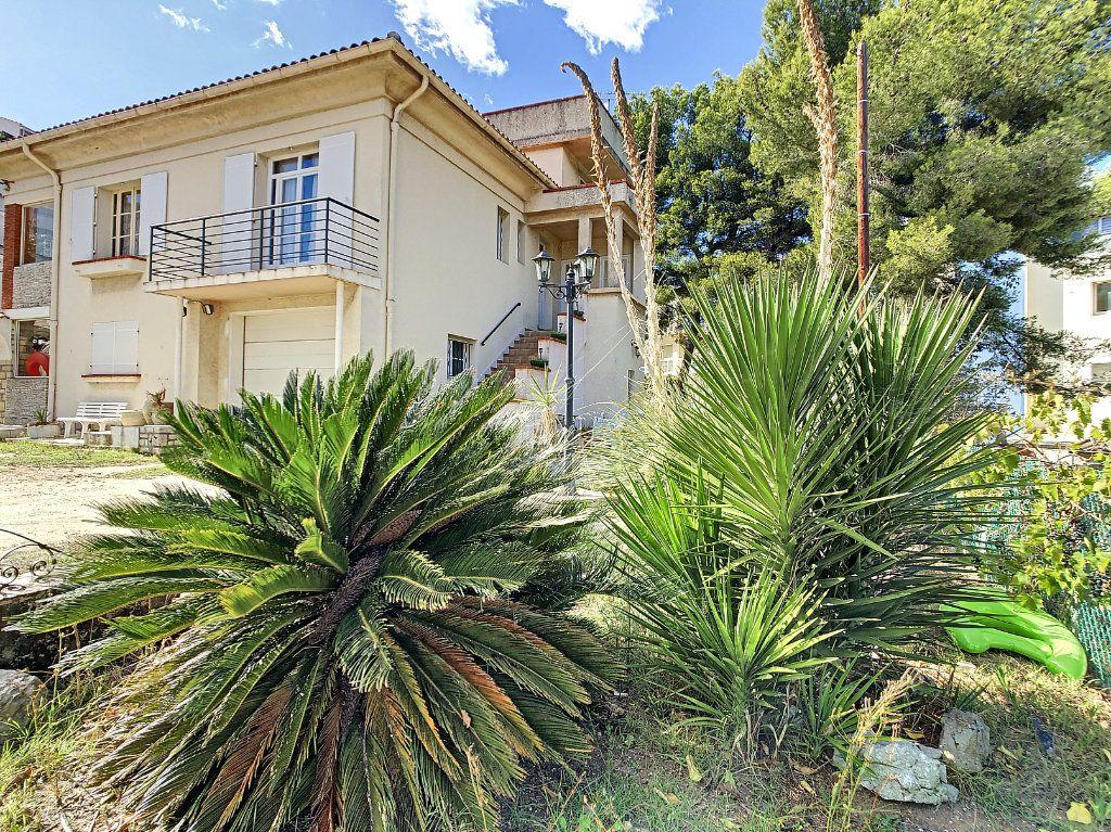 Maison à vendre 6 166m2 à La Seyne-sur-Mer vignette-3