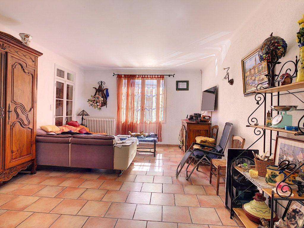 Maison à vendre 6 166m2 à La Seyne-sur-Mer vignette-4