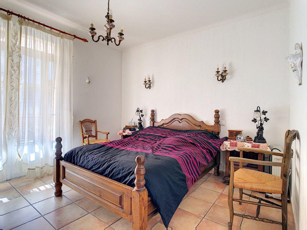 Maison à vendre 6 166m2 à La Seyne-sur-Mer vignette-7