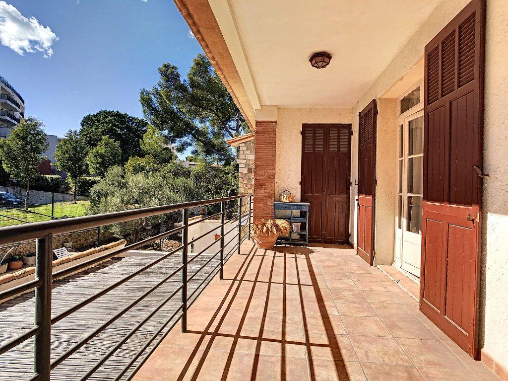 Maison à vendre 6 166m2 à La Seyne-sur-Mer vignette-8
