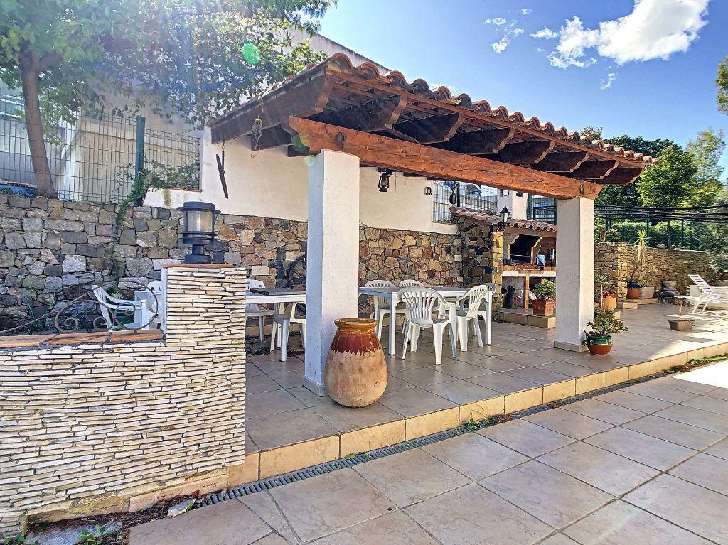 Maison à vendre 6 166m2 à La Seyne-sur-Mer vignette-9