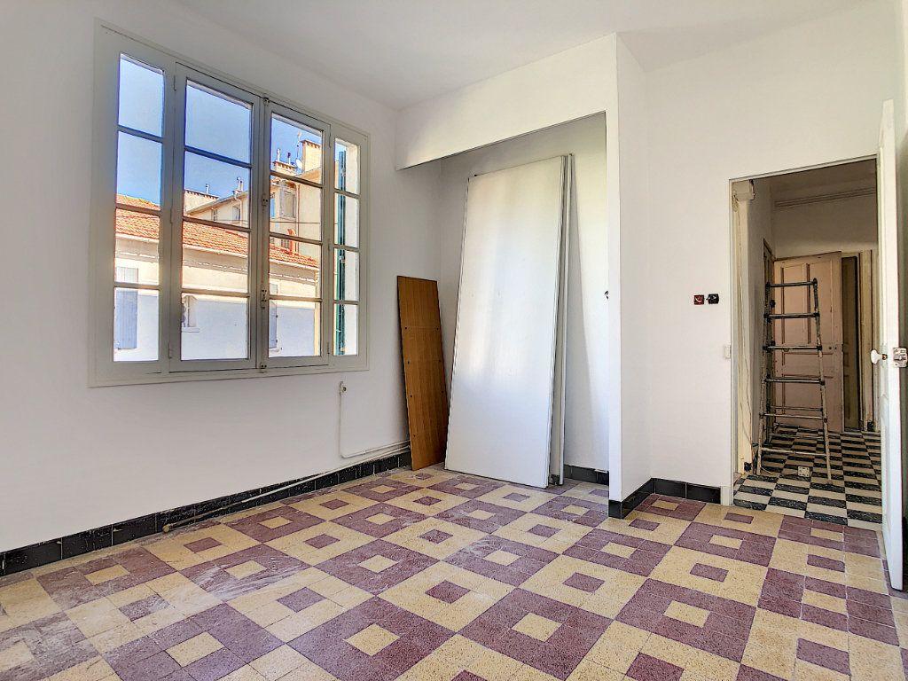 Appartement à vendre 4 76m2 à La Seyne-sur-Mer vignette-3