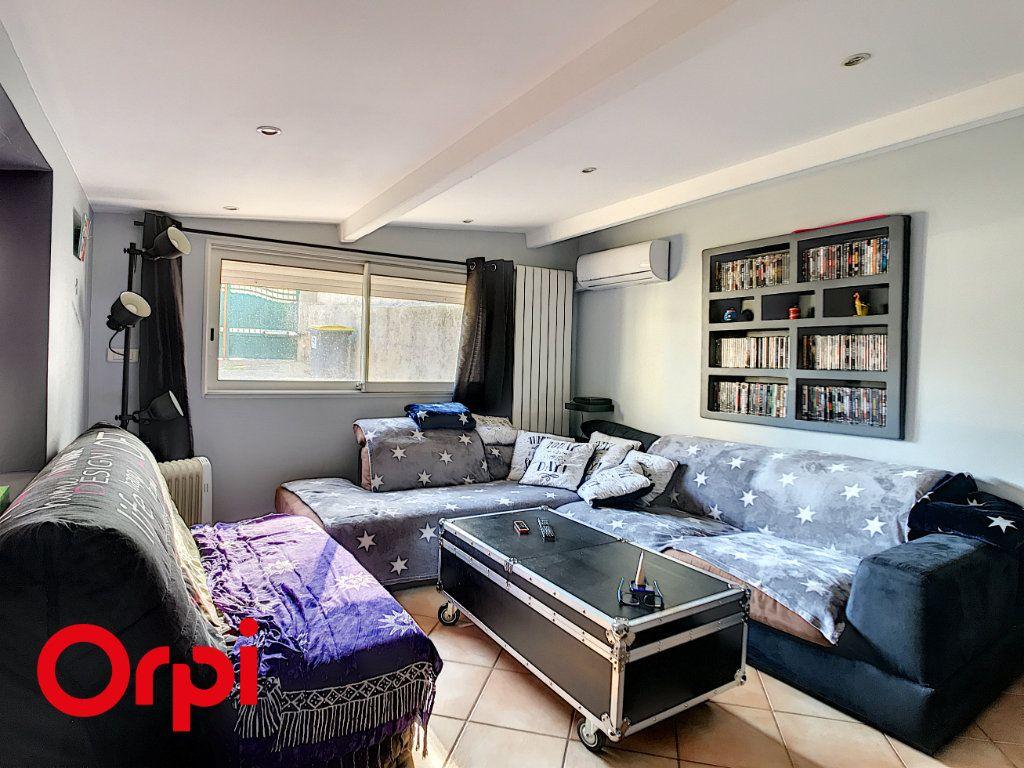 Maison à vendre 9 271m2 à La Seyne-sur-Mer vignette-6