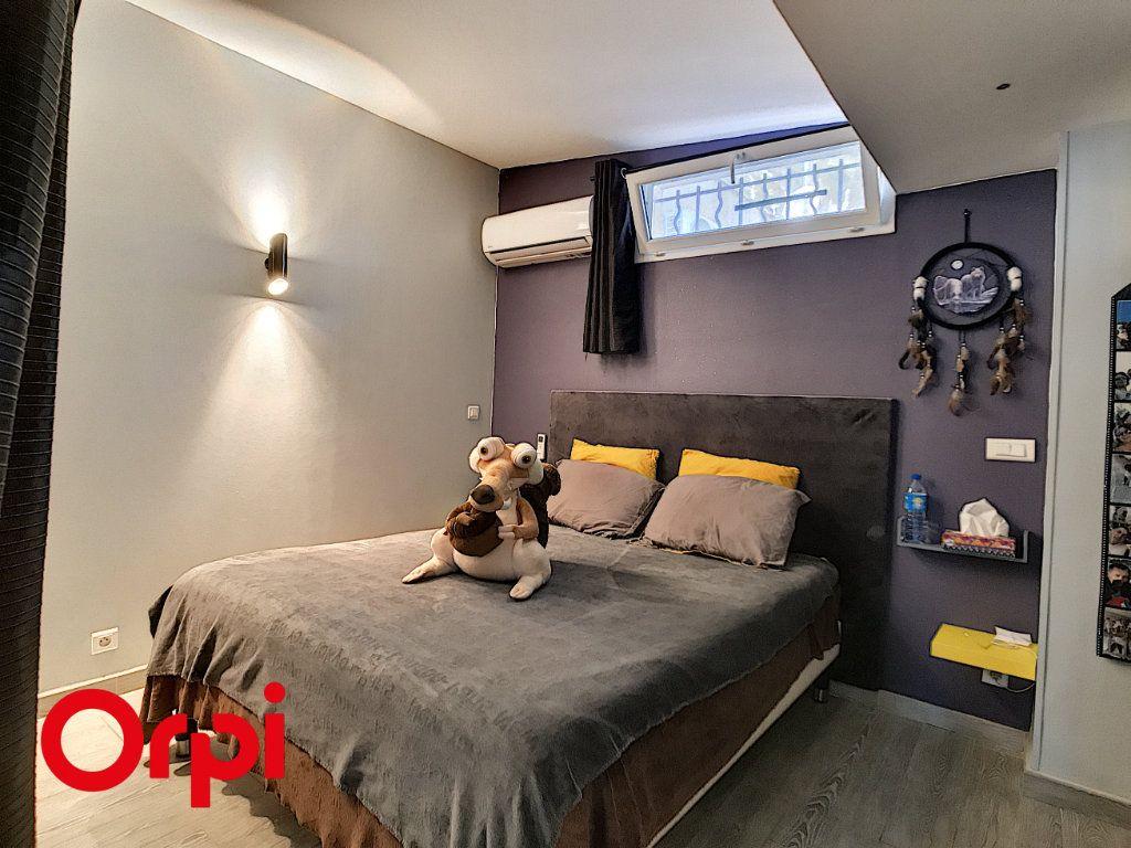 Maison à vendre 9 271m2 à La Seyne-sur-Mer vignette-9
