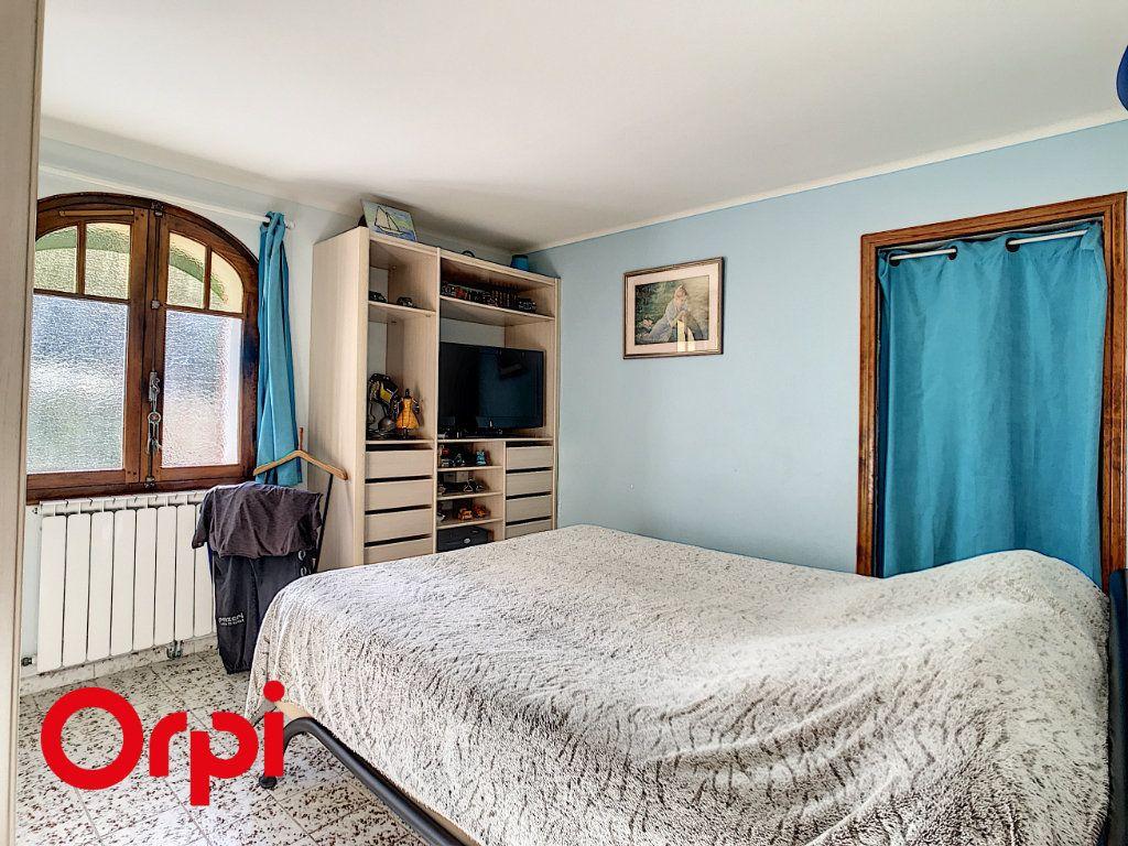 Maison à vendre 9 271m2 à La Seyne-sur-Mer vignette-10