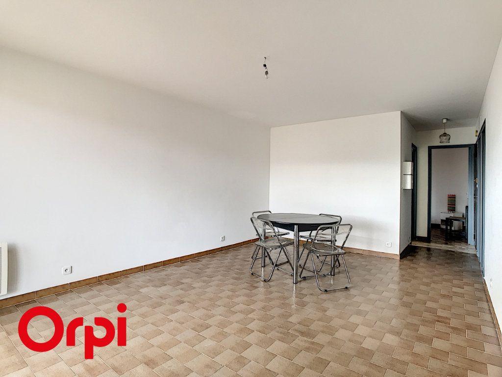 Appartement à vendre 2 42m2 à Six-Fours-les-Plages vignette-2