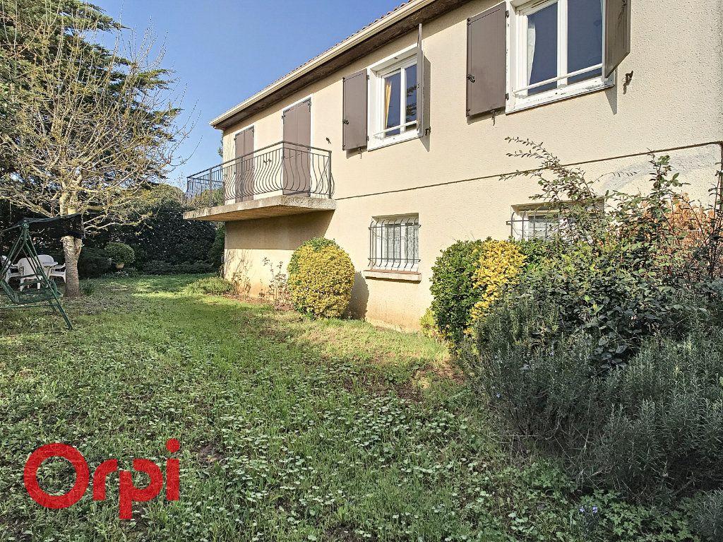 Maison à vendre 4 160m2 à La Seyne-sur-Mer vignette-1