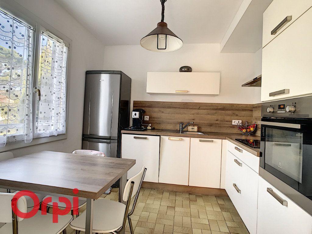 Maison à vendre 4 160m2 à La Seyne-sur-Mer vignette-3
