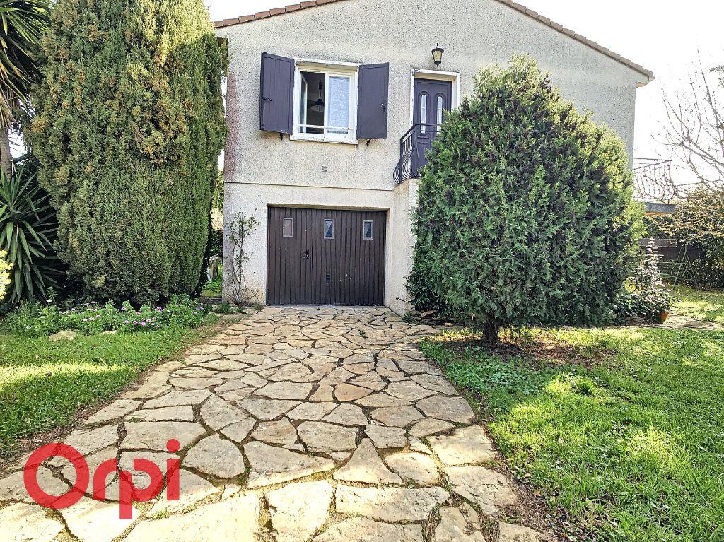 Maison à vendre 4 160m2 à La Seyne-sur-Mer vignette-5