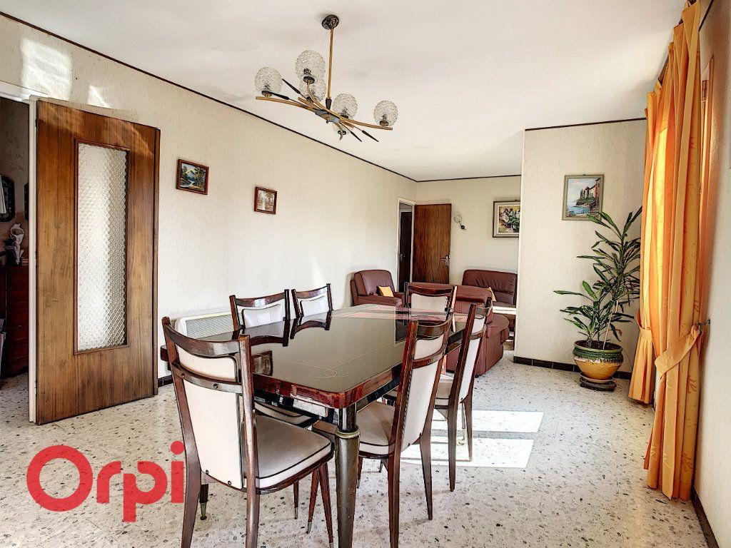 Maison à vendre 4 160m2 à La Seyne-sur-Mer vignette-6