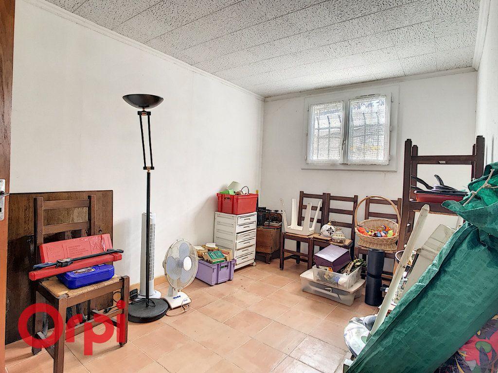 Maison à vendre 4 160m2 à La Seyne-sur-Mer vignette-12