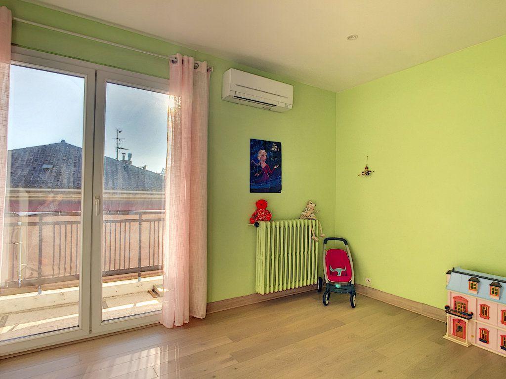 Appartement à vendre 4 82m2 à La Seyne-sur-Mer vignette-4