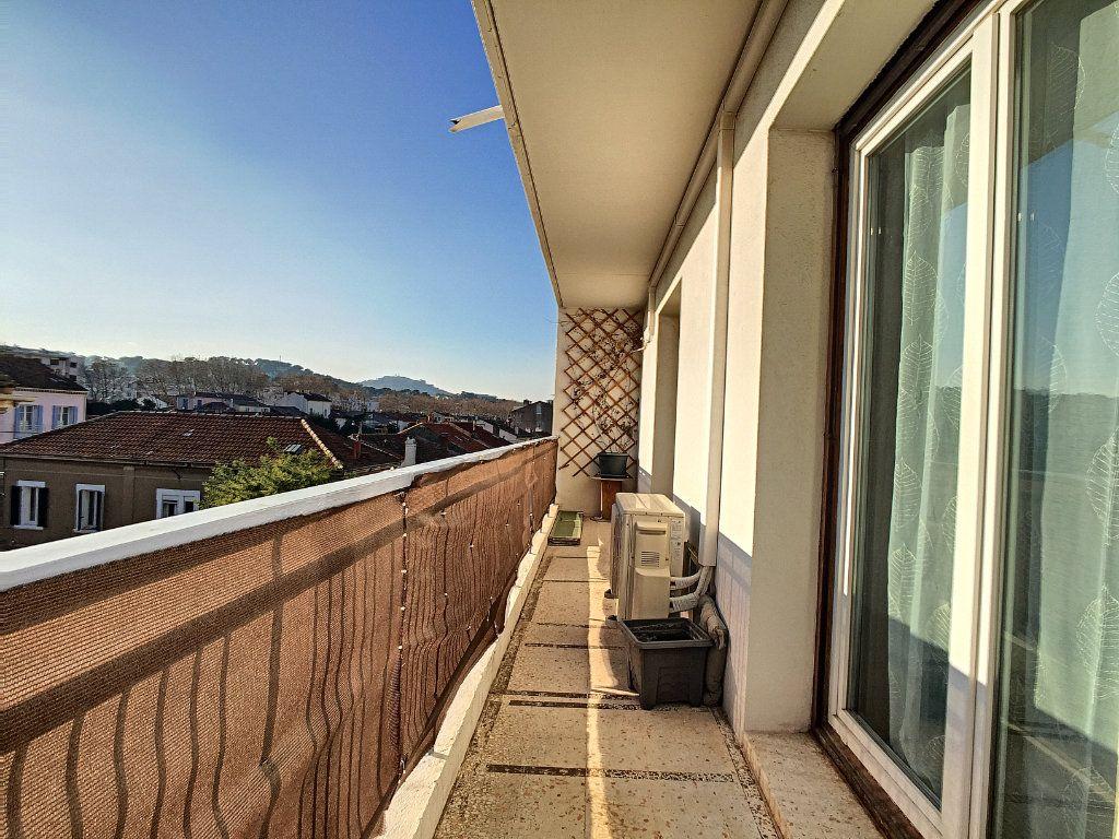 Appartement à vendre 4 82m2 à La Seyne-sur-Mer vignette-10