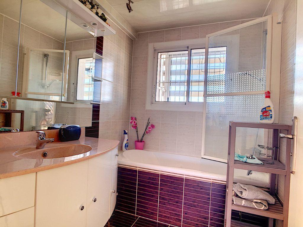Appartement à vendre 4 82m2 à La Seyne-sur-Mer vignette-11
