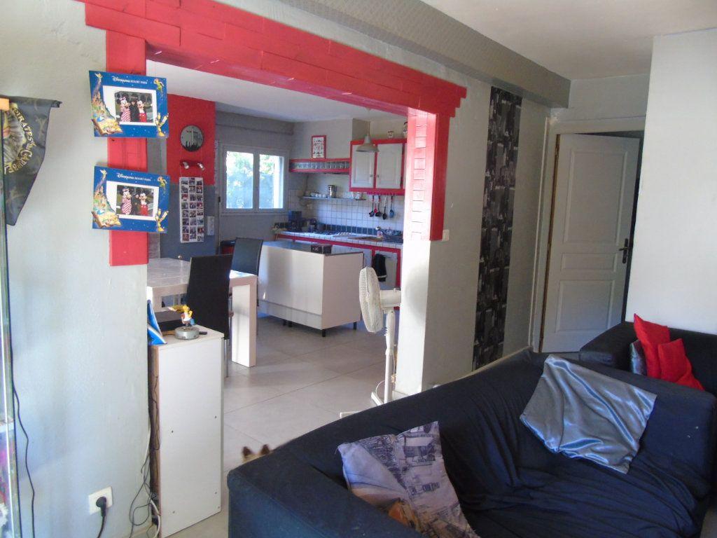 Maison à vendre 4 80m2 à La Seyne-sur-Mer vignette-6