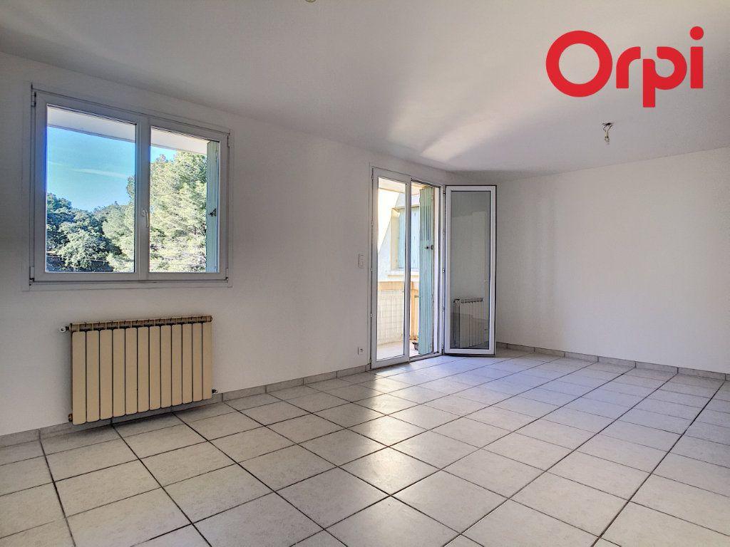 Appartement à vendre 5 76.78m2 à La Seyne-sur-Mer vignette-2