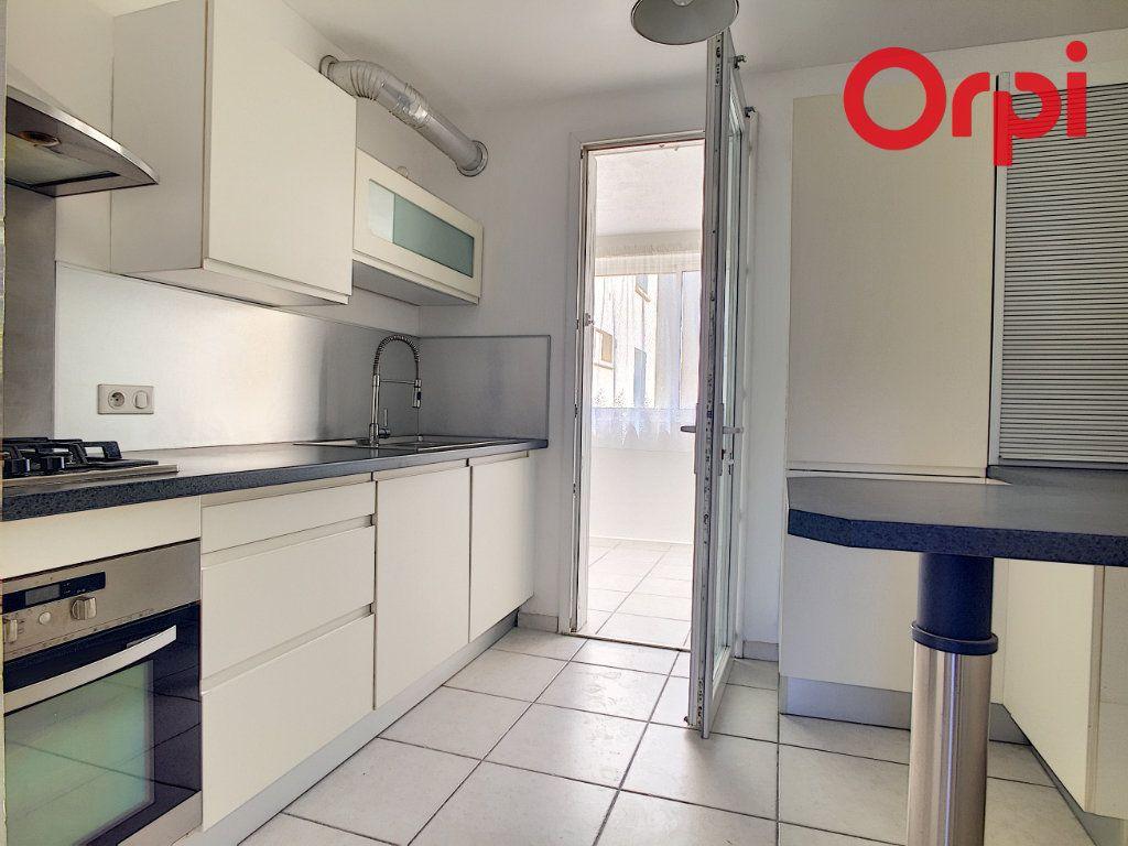 Appartement à vendre 5 76.78m2 à La Seyne-sur-Mer vignette-3