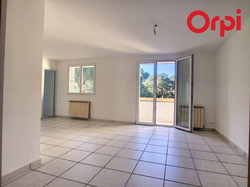 Appartement à vendre 5 76.78m2 à La Seyne-sur-Mer vignette-4