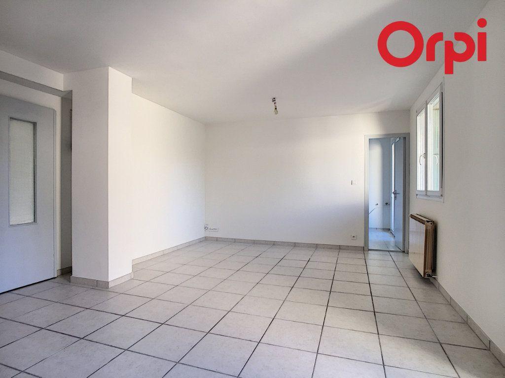 Appartement à vendre 5 76.78m2 à La Seyne-sur-Mer vignette-6