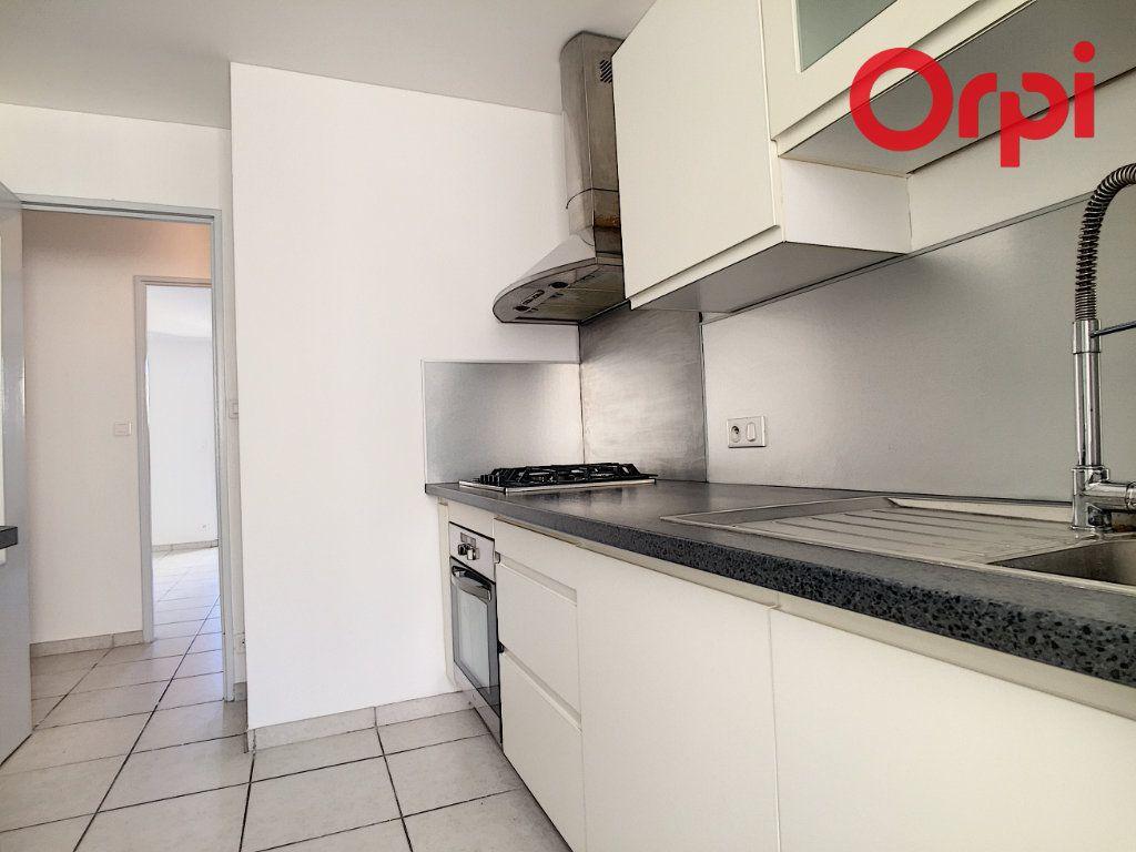 Appartement à vendre 5 76.78m2 à La Seyne-sur-Mer vignette-10
