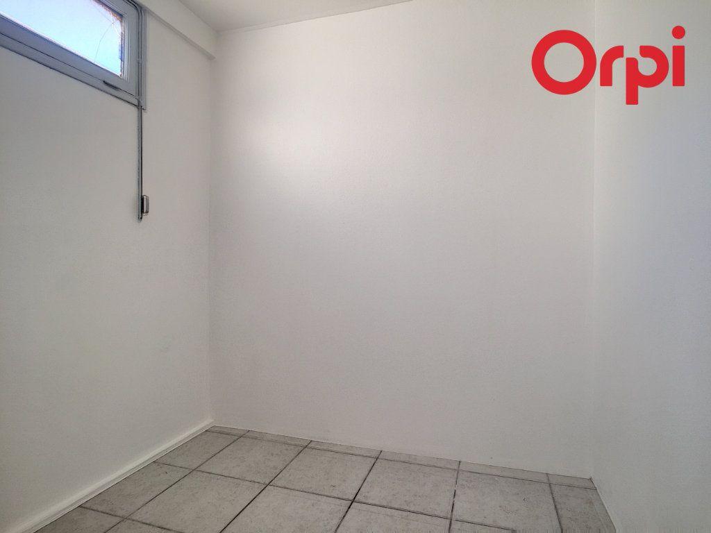 Appartement à vendre 5 76.78m2 à La Seyne-sur-Mer vignette-13