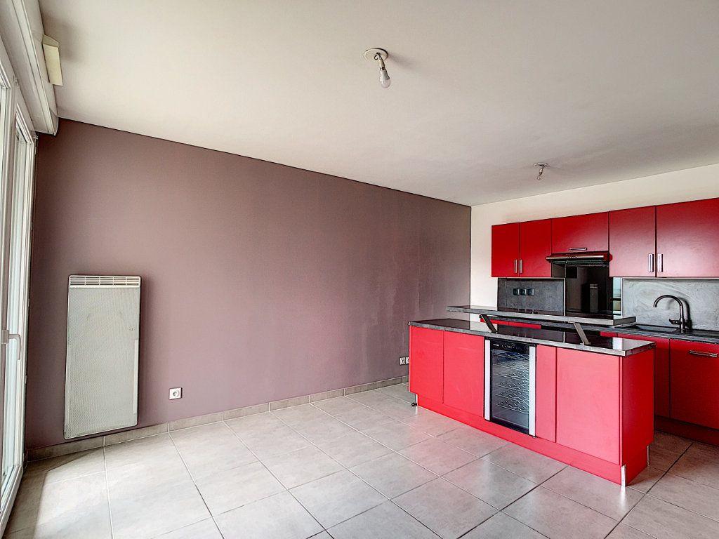 Appartement à vendre 2 42m2 à La Seyne-sur-Mer vignette-3