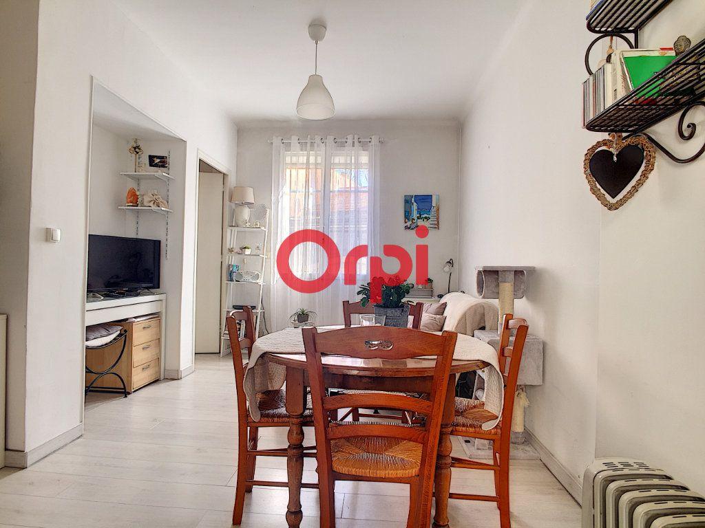 Appartement à vendre 2 28m2 à La Seyne-sur-Mer vignette-7
