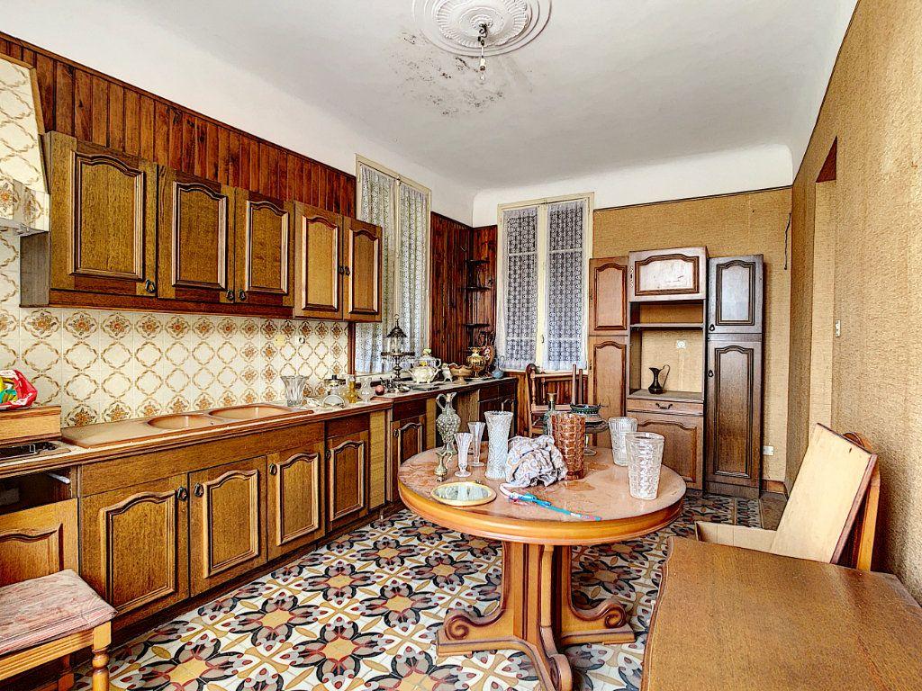 Maison à vendre 6 156m2 à La Seyne-sur-Mer vignette-3