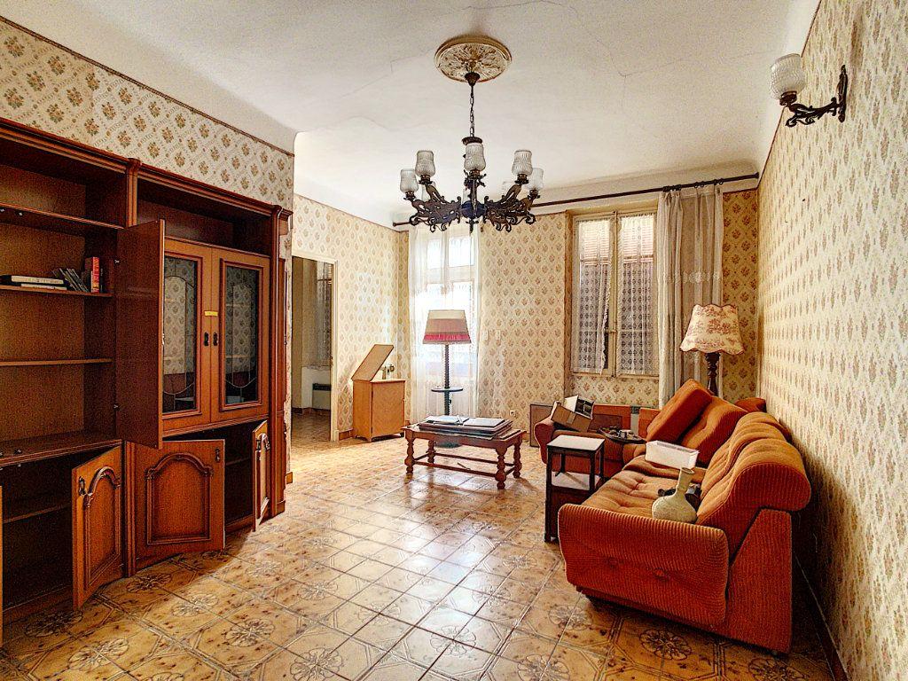 Maison à vendre 6 156m2 à La Seyne-sur-Mer vignette-4