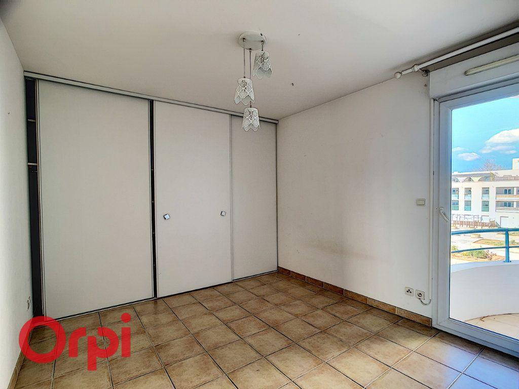 Appartement à vendre 4 86.2m2 à La Seyne-sur-Mer vignette-5