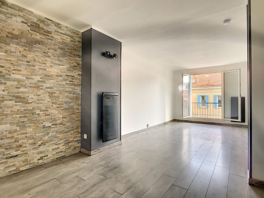 Appartement à vendre 3 56m2 à La Seyne-sur-Mer vignette-1