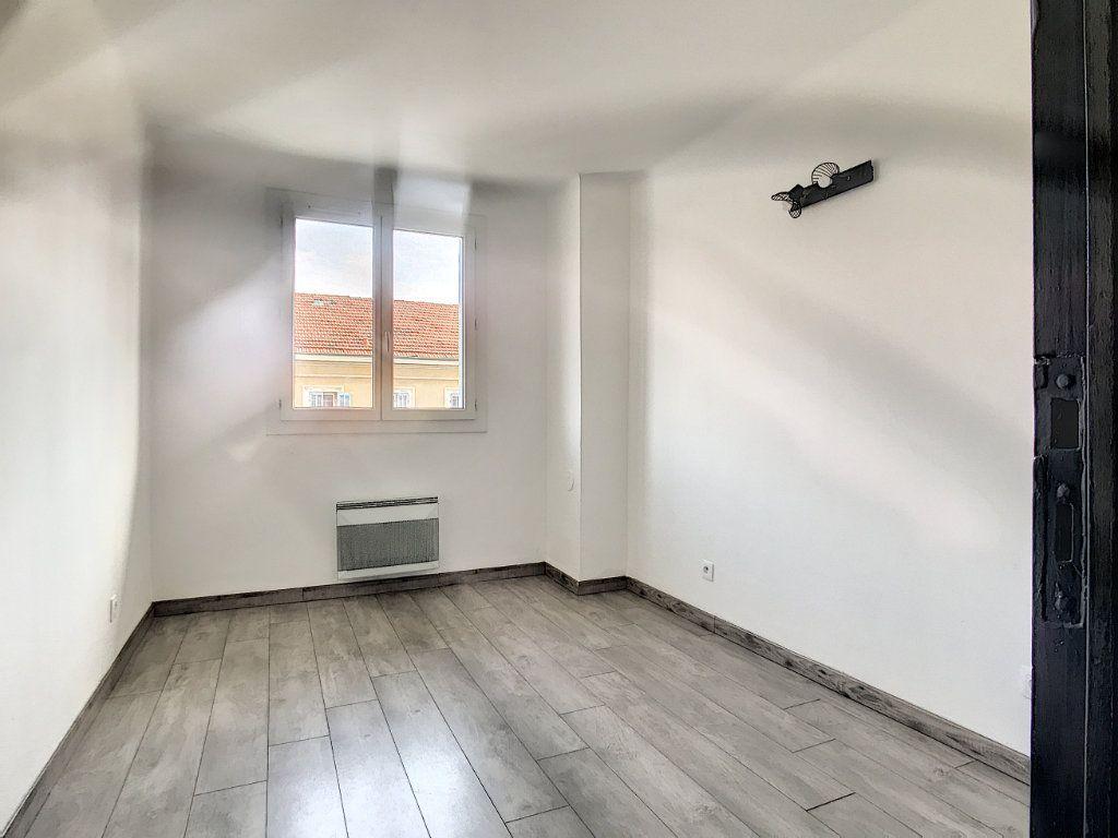 Appartement à vendre 3 56m2 à La Seyne-sur-Mer vignette-5